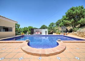 Villa for sale at Estepona, Marbella West, with superb sea view and private pool.
