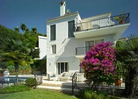 Villa for sale El Herrojo Alto, La Quinta, Marbella West