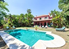 Villa zum Kauf in Las Chapas Marbella Ost
