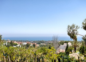 Villa for sale, Las Chapas, Marbella East, garden view, pool, Cotsa del Sol, Spain