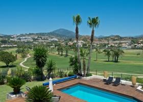 Villa for sale, Los Naranjos Golf, Nueva Andalucía, Marbella, Costa del Sol, Spain, golf view, pool, garden, modern design, new.