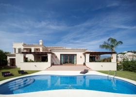 Brand new modern design villa for sale at design villa Nueva Andalucia Marbella