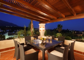 Covered terrace of villa for sale at Marbella