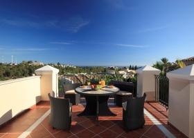 Modern brand new villa for sale, Nueva Andalucía, Marbella, Spain, Costa del Sol. Pool, garden.