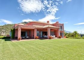 Villa for sale at Marbella Club Golf Resort