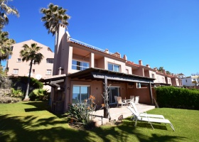 Beachside townhouse for sale at Estepona Marbella