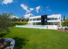 Nueva Andalucía,5 Bedrooms Bedrooms,5 BathroomsBathrooms,Villa,1323