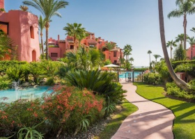 Beachside apartment for sale at New Golden Mile Estepona Menara Beach
