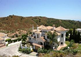 Villa with sea view for sale at La Quinta Marbella