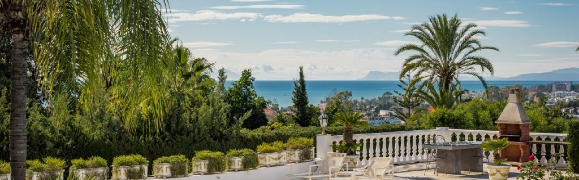 Beachside Villa for sale at El Paraiso Marbella