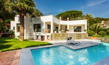 Modern Villa for sale at Nueva Andalucia Marbella