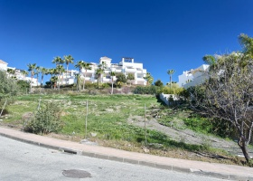 Plot for sale at La Alqueria Benahavis Marbella