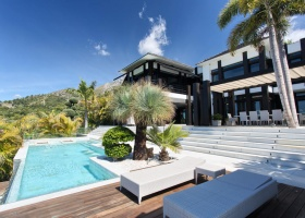 Villa for sale in Cascada de Camojan Marbella