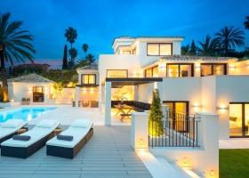 Contemporary villa for sale at Los Naranjos Hill Club Marbella