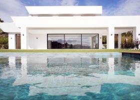 Modern Villa for sale in La Alqueria Marbella