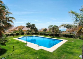 Penthouse for sale in Puerto Alto Estepona Costa del Sol